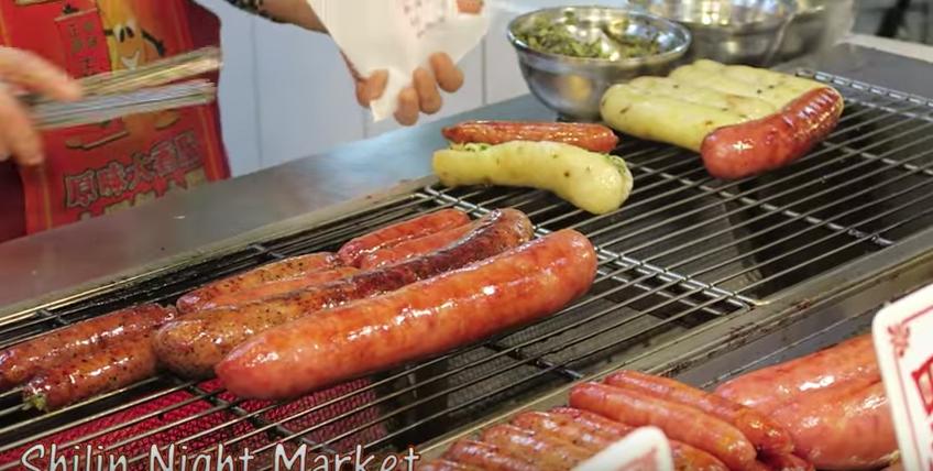 腸詰めがうまそー! 台湾夜市でおススメの屋台料理に対する海外の反応
