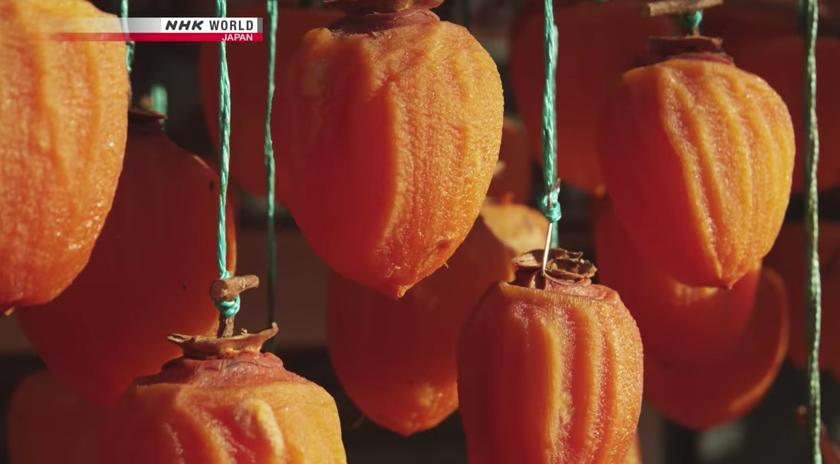 これ大好物! 今度自分で作ってみるわ! 日本の干し柿の美味しさに目覚めた外国人たち