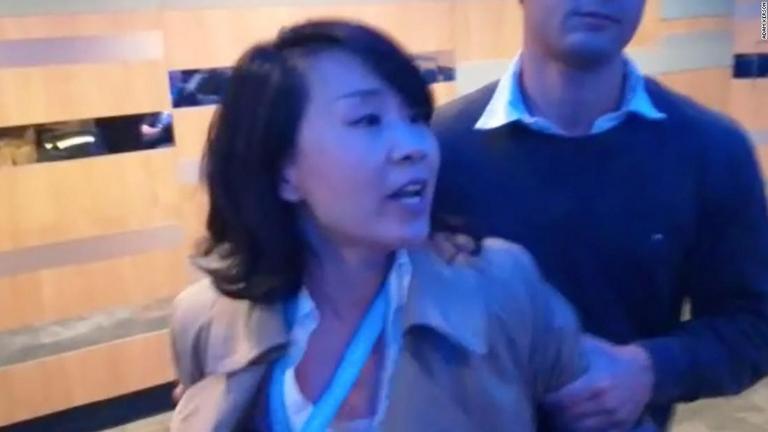 また中国人か? 英保守党のイベントでの中国人女性記者のふるまいに対する海外の反応