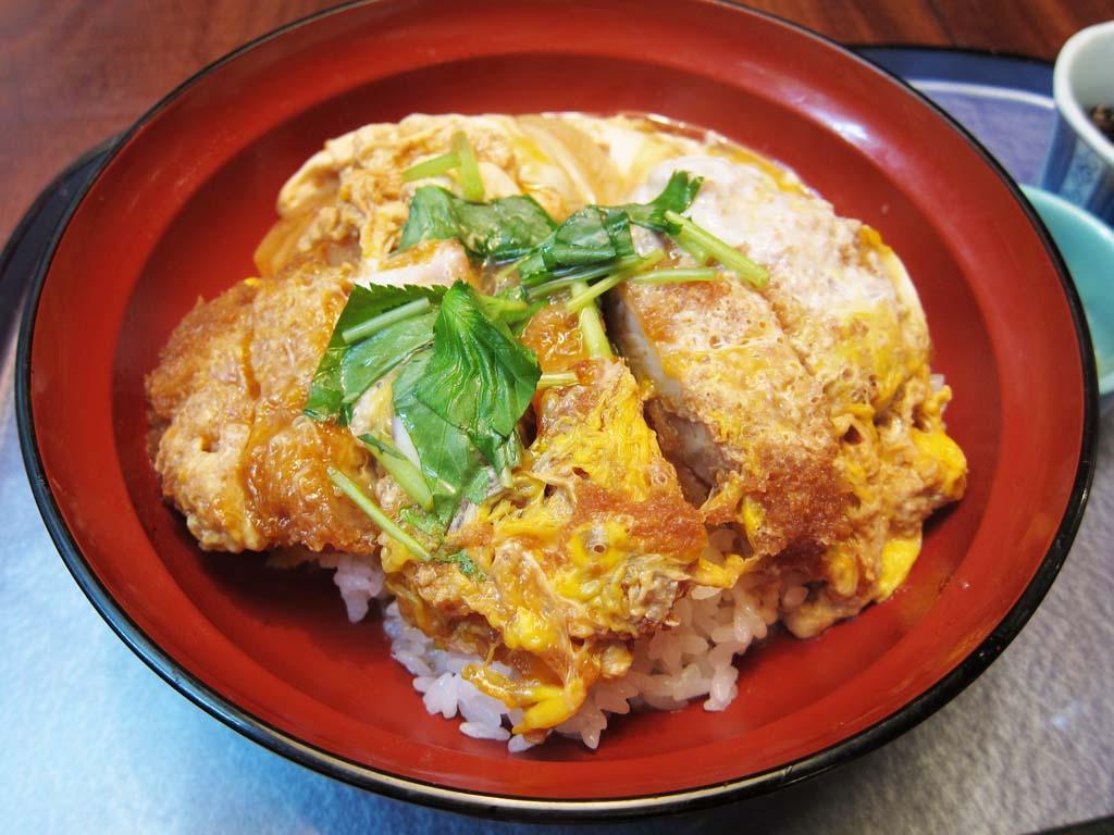 次にブレイクするのはカツ丼か、トンカツか? 日本のカツ料理動画を観た海外の反応