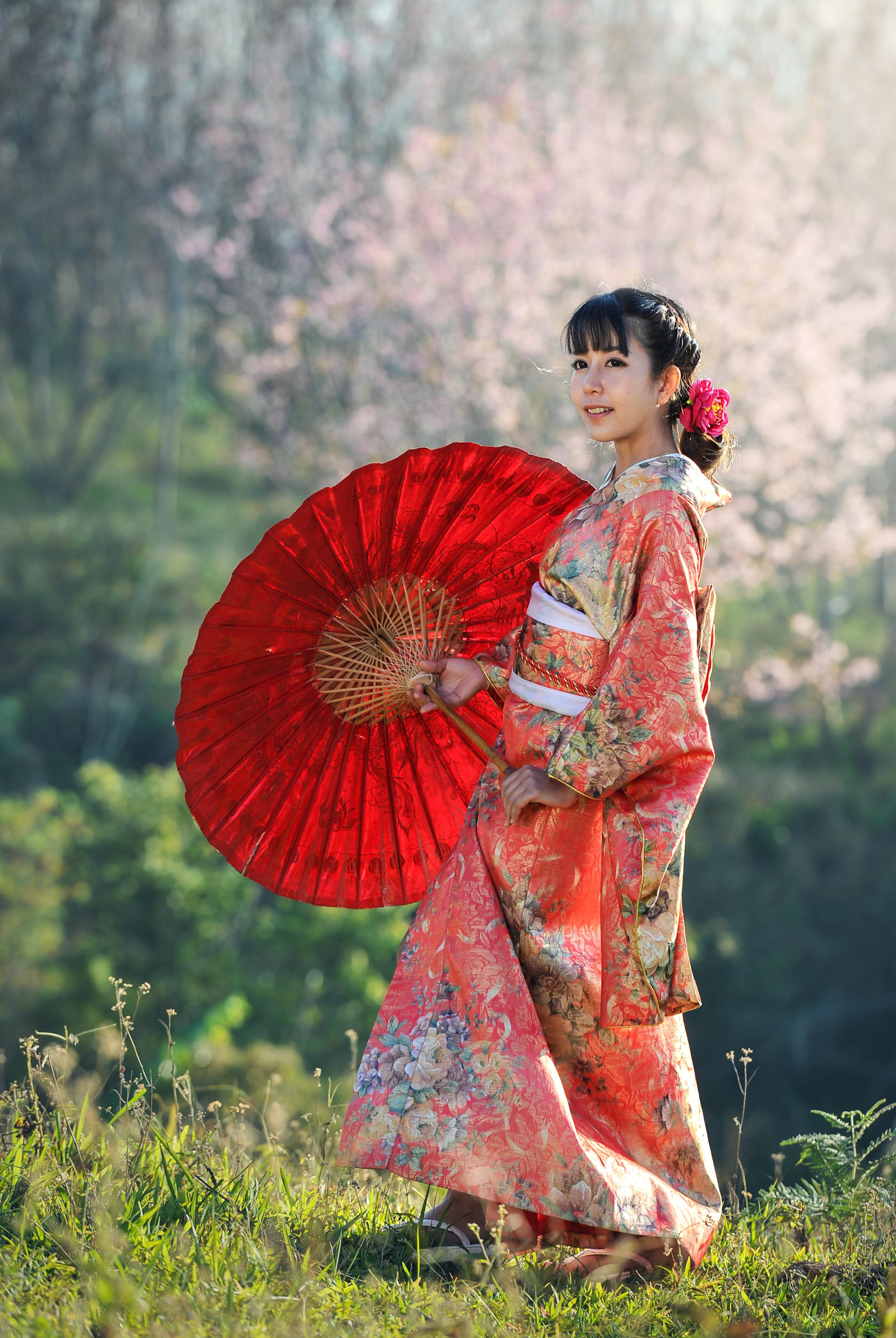 私も着てみたい!着物で京都散策する外国人女性についた海外からのほっこりコメント